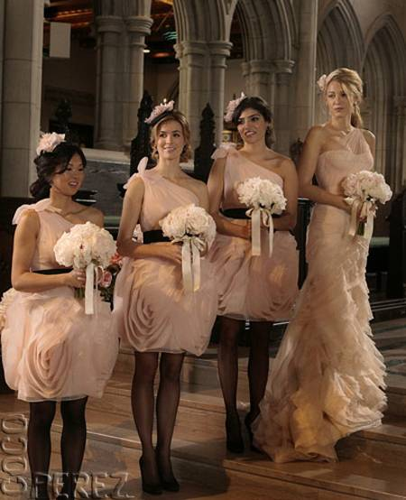 Just Bee Fashion: Serena In Her Bridesmaids Dress