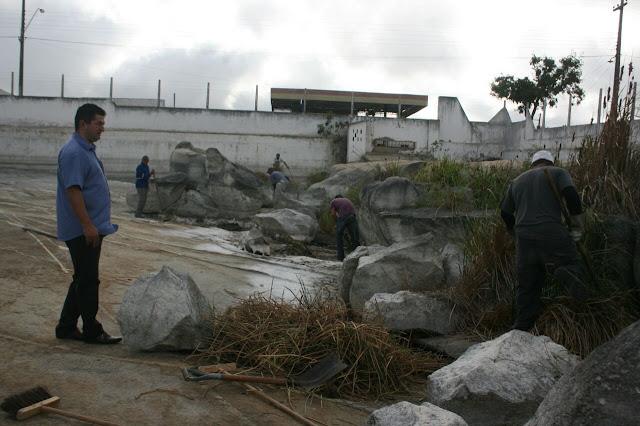 Prefeitura de Montadas realiza limpeza em tanques públicos
