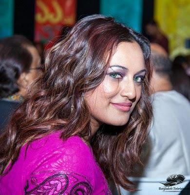 Young Suzana Ansar  nude (34 pics), Facebook, butt