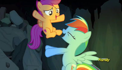 Scootaloo and Rainbow Dash being adorable sisters
