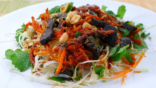Top 5 market for delicious food in Danang 5