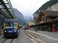 Estación de Lauterbrunnem, Suiza, Station Lauterbrunnem, Switzerland, Gare Lauterbrunnem,  Suisse, vuelta al mundo, round the world, La vuelta al mundo de Asun y Ricardo
