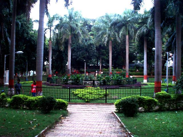 4-Bund-Garden-pune