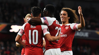 Arsenal Team Celebrating a Goal