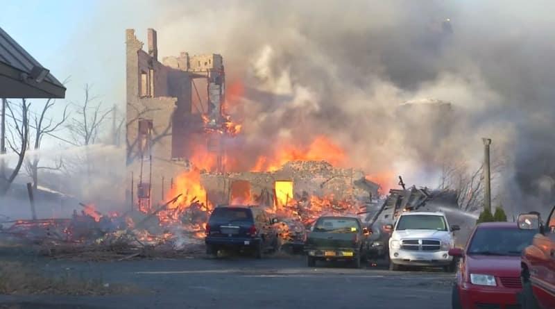Коваль-любитель випадково спалив 20 будівель в штаті Нью-Йорк