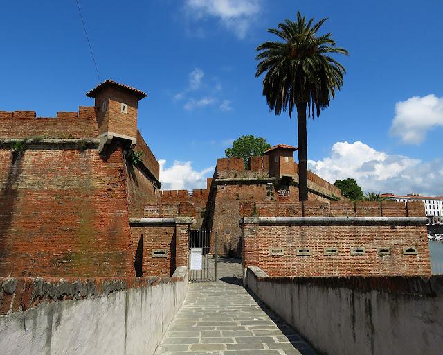 Fortezza Nuova, via Borra, Scali della Fortezza Nuova, Livorno