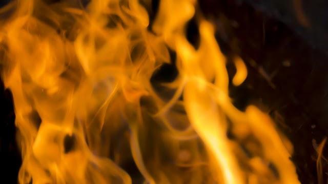 Lángol egy borház Miskolcon