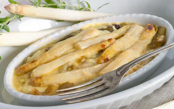 http://www.encasadeoly.com/2017/11/recetas-contrarreloj-esparragos-con-bechamel.html