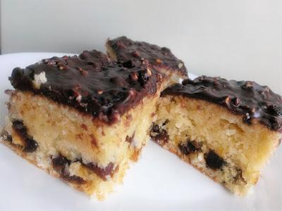 Ciasto z wiórkami i daktylami