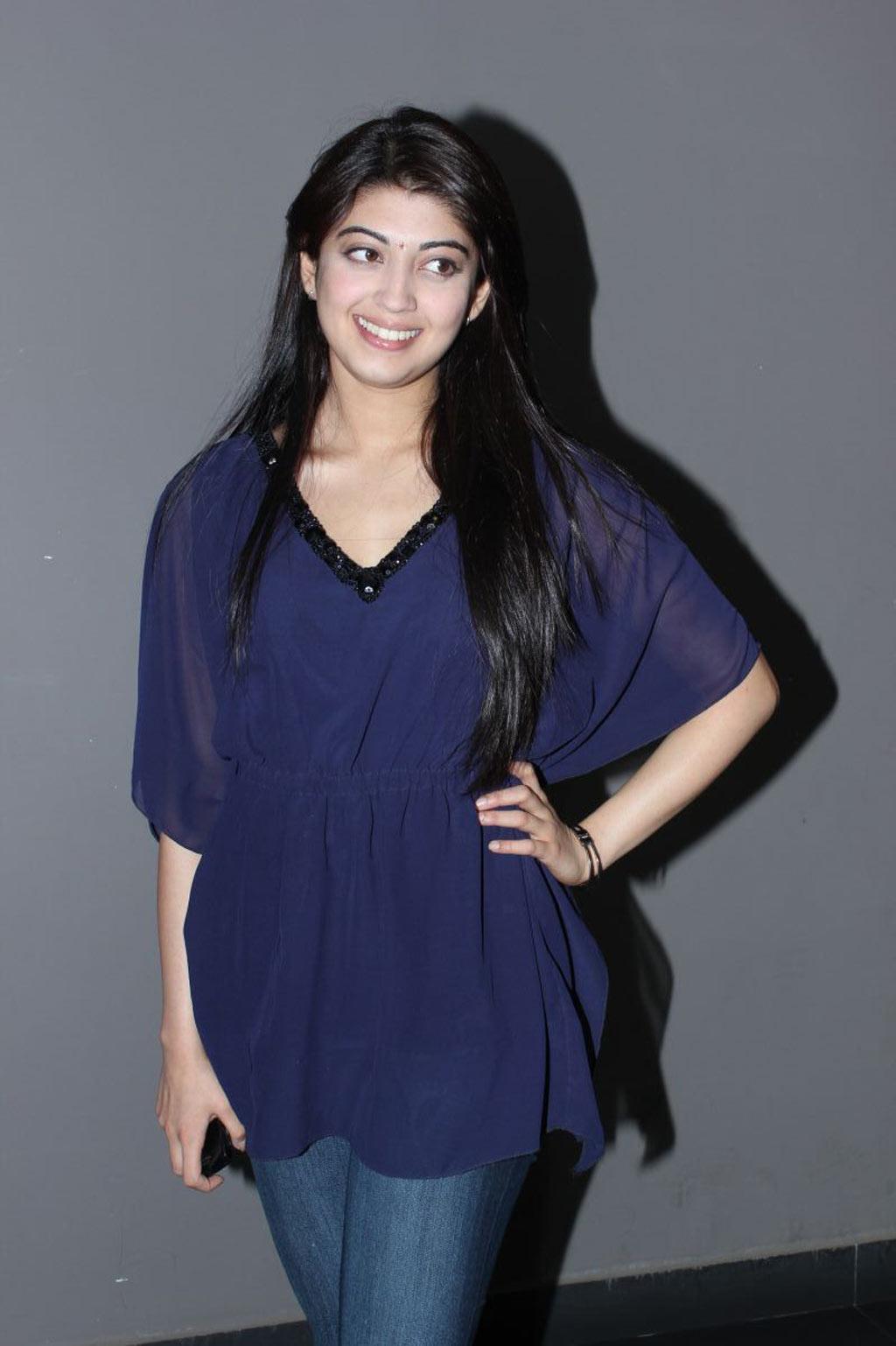 Actress collextion: Pranitha at Saguni Movie