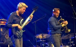 El jazz de Kyle Eastwood Band llega este viernes al Principal de Maó en Menorca - España / stereojazz