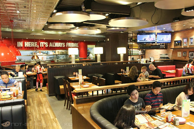 Friday's Interior in Greenbelt 3