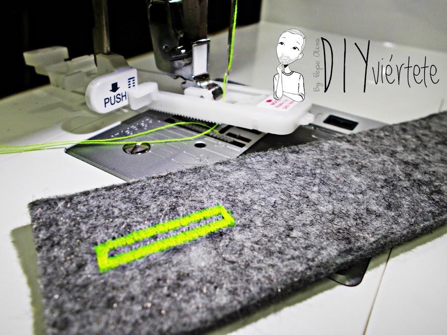 DIY-bolso-cartera-clutch-fieltro-fluor-pompones-puntadas-alfa-historiashiladas-costura-diseño-handbox-10