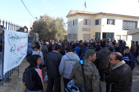 الجهوية 24 - أطر طبية تلجأ إلى وقفات احتجاجية بعين تاوجطات