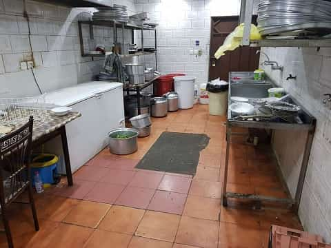 PEE FILLED BOTTLES FOUND IN SAUDI RESTAURANT