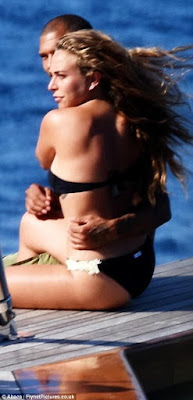 1f - Hot Felon, Jeremy Meeks leaves wife for Top Shop billionaire heiress Chloe Green