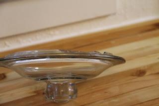 Chipped glass jar lid