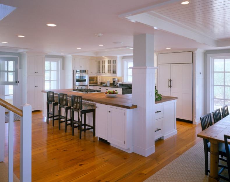 Coastal cottgae beach house kitchen