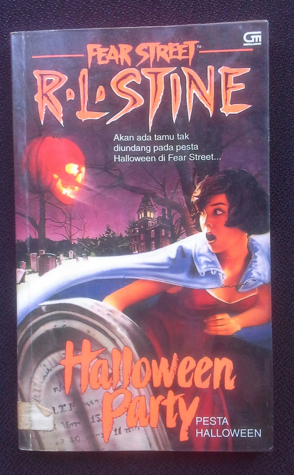 Review Buku] Fear Street: Pesta Hallowen by R.L.Stine | Ring Ding Dong