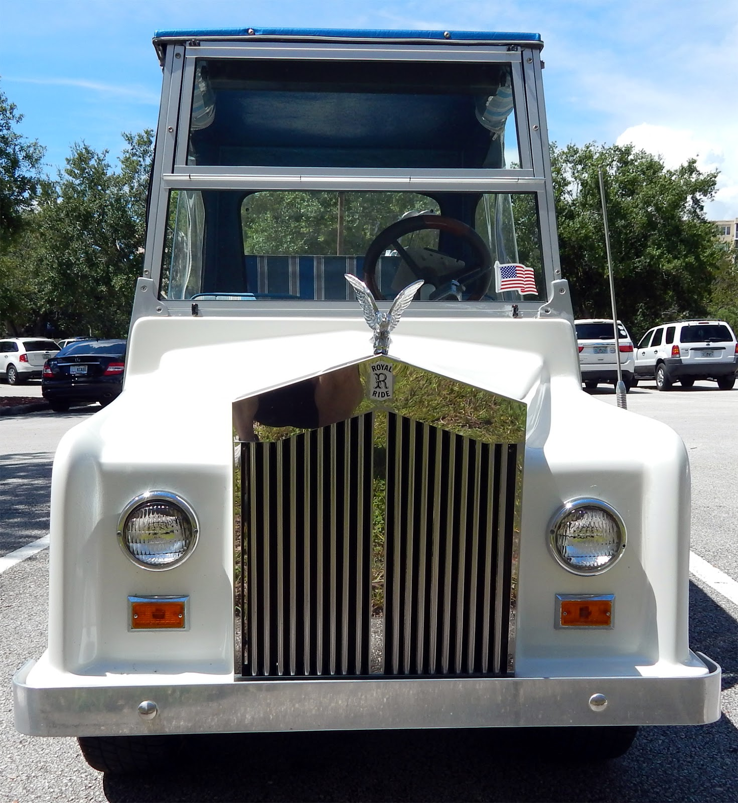 Rolls Royce Royal Ride Golf Cart With Chrome Grille Sun
