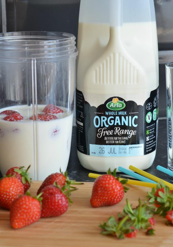 Strawberry Milkshake with Organic Free Range Milk from Arla