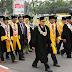 Firdaus HB Tamu Khusus Rektor UNP pada Wisuda Ke-112