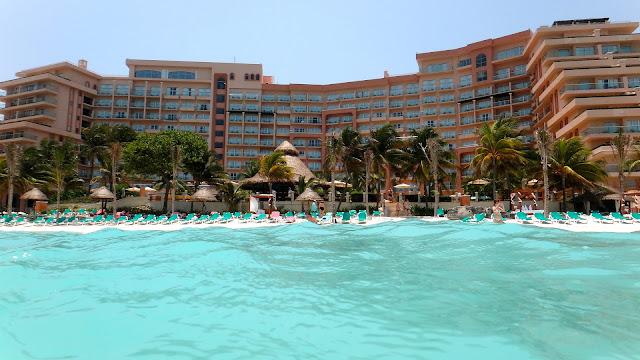 Qual é o hotel mais bem localizado em Cancun