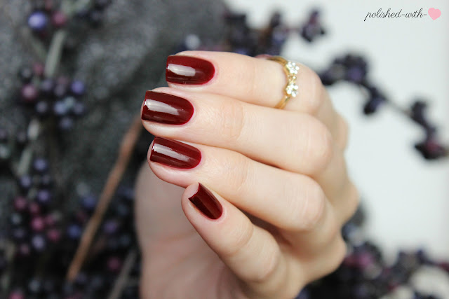 http://polished-with-love.blogspot.de/2015/10/blogparade-fall-in-essielove-mein-liebster-herbstlack.html