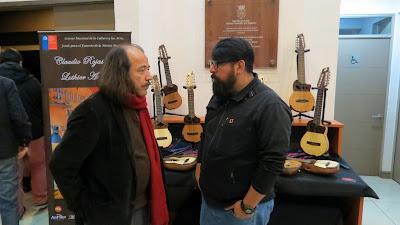 Artesano Luthier Claudio Rojas con Charanguista Freddy Torrealba