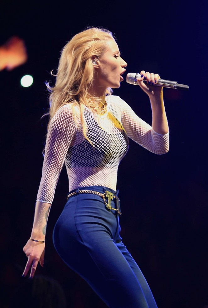 Iggy Azalea shows off curves at the 2014 KIIS FM Jingle Ball in LA