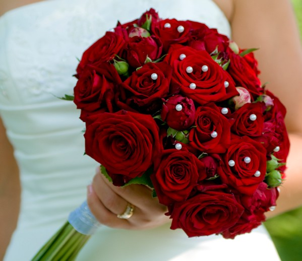 Wedding Bouquet: Red Rose bouquets for weddings