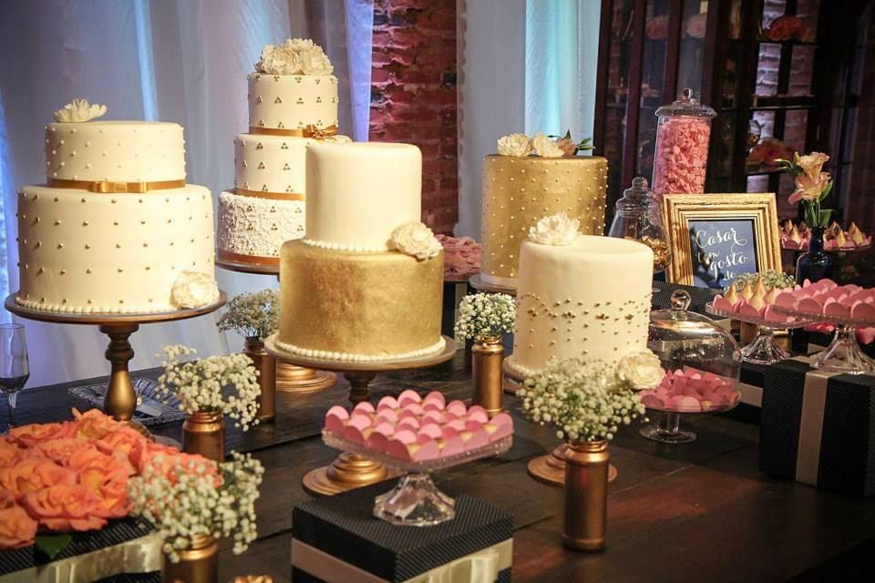 casamento-lindo-singelo-festa-decoracao-varios-bolos