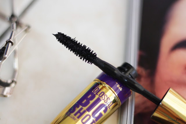 Maybelline Volum' Express The Colossal Big Shot Washable Mascara; Maybelline Volum' Express The Colossal Big Shot Washable Mascara review; Maybelline Big Shot Mascara review; Maybelline Big Shot Mascara campaign; Maybelline Big Shot Mascara honest review; Maybelline Big Shot Mascara swatches; Maybelline Big Shot Mascara for asian lashes; Maybelline Big Shot Mascara keeper or not; Maybelline Big Shot Mascara repurchase ?; Maybelline Big Shot Mascara price; Maybelline Big Shot Mascara available; Beauty Online Magazine US; New York Beauty magazine; Singapore Beauty Magazine;