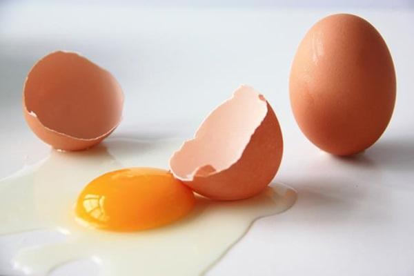 Benefícios de Usar Ovo no Cabelo