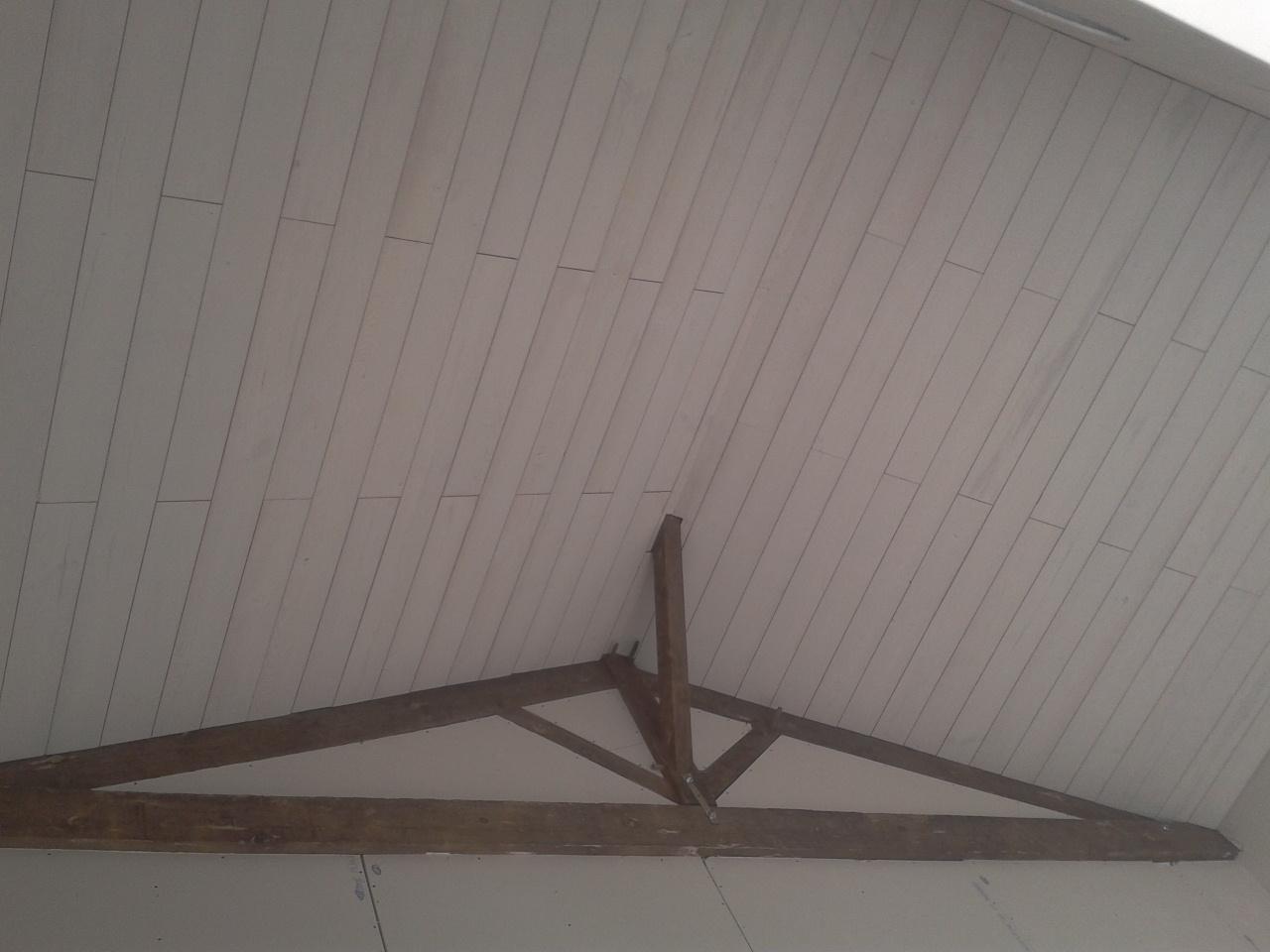 la grange de la boisseli re isolation et pose de lambris au plafond du salon. Black Bedroom Furniture Sets. Home Design Ideas