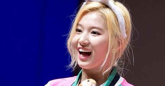TWICE Sana Transforms Into An Adorable Bunny!