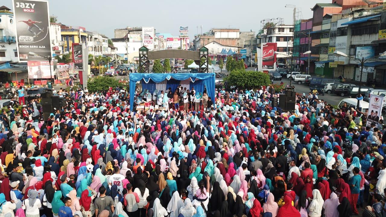 Ribuan Relawan Prabowo -Sandi Menggelar Jalan Sehat Bersama Warga Kota Padangsidimpuan