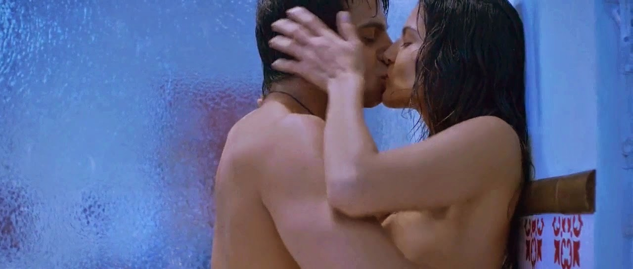 Sunny Leone Nude Sexy Kiss Under Shower While Bathing In -3864