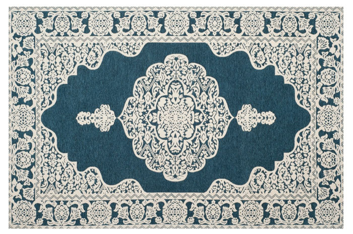 Ansley Rug from Target | 20 Classic Style Rugs for Any Budget at www.andersonandgrant.com