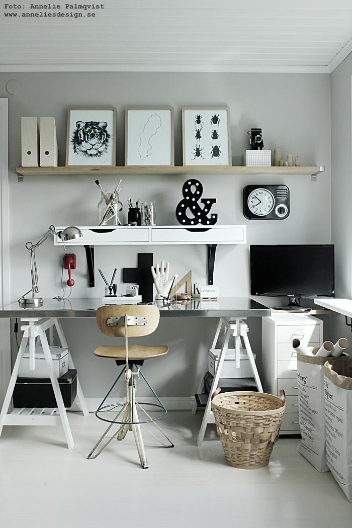 hemmakontor, hemmakontoret, webbutik, webbutiker, webshop, inredning annelies design, svart och vitt, svartvit, svartvita, vitt, grått, grå, tiger, tigrar, tavla, tavlor, poster, posters, print, prints, konsttryck, hylla, bokstavslampa, bokstavslampor, kors,