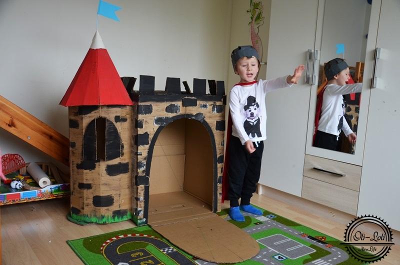 Zamek do zabaw z kartonu