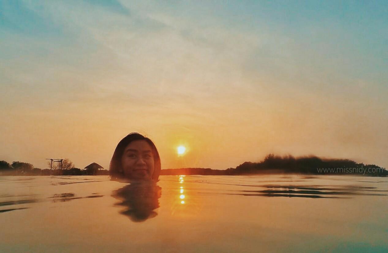 sunset di pulau pari