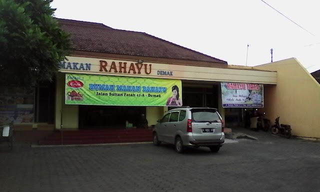 Rumah Makan Rahayu Credit by Hello Semarang