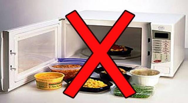 تعرف على الأطعمة الممنوع تسخينها داخل الميكرويف!  وقد تؤدي للإصابة بمرض السرطان لا قدر الله !