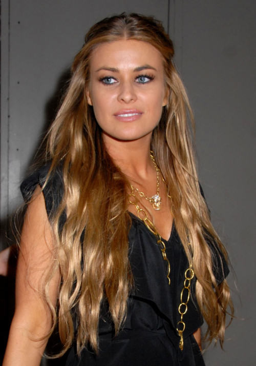 Celebrities Hairstyles: Carmen Electra Hairstyles 2017