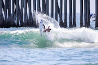 17 Kanoa Igarashi Vans US Open of Surfing foto WSL Kenneth Morris