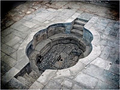 สระน้ำของหยางกุ้ยเฟยในอุทยานน้ำพุร้อนหัวชิงฉือ (Huaqing Hot Springs)