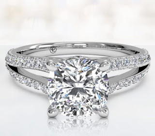 These cushion cut engagement rings are accessible in different dimensions with diverse colour mixtures.