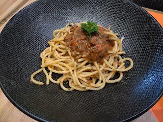 yumzaa-mini-meal-spaghetti-bolognese
