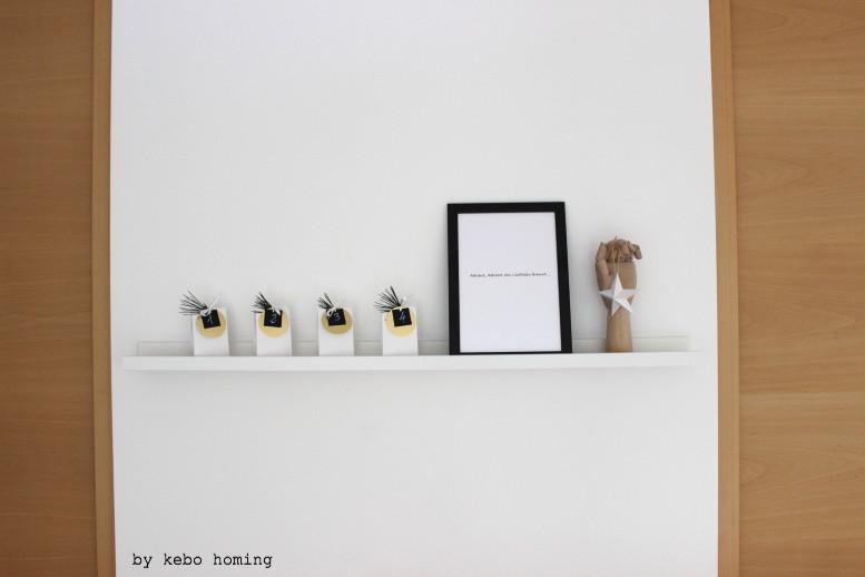 Monatliches Blogevent #meinshelfie im Dezember mit einem DIY Adventskalender, Deko Inspiration weiß, schwarz, gold, Linkparty bei kebo homing, Südtiroler Food- und Lifestyleblog